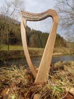 Winter-Harfe 19 Saiten Walnuss, Bodenplatte, neue Klappen + Zubehör