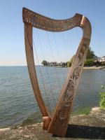 Harfe 22 Saiten Walnuss verziert + Tasche + Zubehör