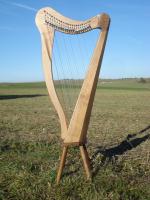 Harfe 22 Saiten Walnuss, neue Klappen + Füße + Zubehör