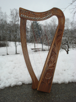 Harfe 19 Saiten Rosenholz, neue Klappen + Zubehör