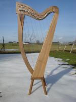 Harfe 27 Saiten Walnuss glatt C3, neue Klappen + Füße + Zubehör
