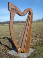 Harfe 27 Saiten Rosenholz verziert E3, altes Klappensystem + Zubehör