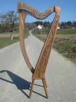 Harfe 27 Saiten Walnuss verziert C3, neue Klappen + Füße + Zubehör