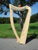 Harfe 19 Saiten Esche verziert F4-C6 + Zubehör