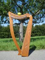 Harfe 19 Saiten Mahagoni verziert F4-C6 + Zubehör