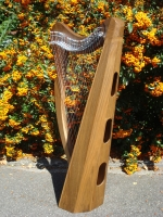 Harfe 27 Saiten A2-F6 Walnuss + Tasche