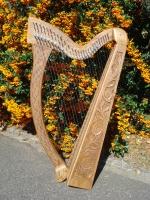 Harfe 27 Saiten E3 Walnuss altes Klappensystem mit Tasche