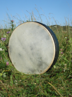 Bodhran 45 cm 18 Zoll Durchmesser mit Tasche und Schlägel