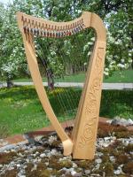 Harfe 22 Saiten Buche verziert + Tasche