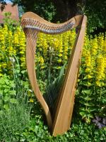 Harfe 27 Saiten C3-A6 auf 432 Hz optimiert + Zubehör