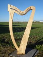 Harfe 27 Saiten E3 Esche glatt neue Klappen + Füße + Zubehör