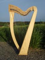 Harfe 27 Saiten Esche glatt C3 Neue Klappen + Füße + Zubehör